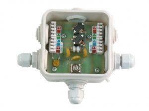 Описание Info-Sys РГ4GPoE IP54 Устройство предназначено для защиты оборудования, использующего среду передачи Ethernet 10/100/1000Base-TX, поддерживающего технологию PoE (Грозозащита поддерживает все типы PoE-питания