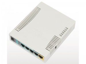 MikroTik RB951Ui-2HnD - Маршрутизатор с Wi-Fi, 2.4GHz 1000mW AP with five Ethernet ports and PoE output on port 5. It has a 600MHz CPU, 128MB RAM and a USB port