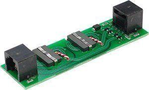 Описание Info-Sys РГ6G Исп.1 (female-female) Устройство защищено термоусадкой. Высоковольтная трансформаторная развязка препятствует попаданию на вход Ethernet портазащищаемого оборудования опасных напряжений от грозовых разрядов, а также от бросковнапряжения электрической сети, которые могут возникнуть на втором конце кабельного сегмента врезультате индустриальных помех различного происхождения (включение/выключение мощнойнагрузки, электросварочные работы, нарушение контакта в электрических соединителях и т