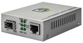МедиаконвертерSNR-CVT-1000SFP преобразует сигнал из стандарта 10/100/1000-Base-T всигнал 100/1000Base-FX, оснащен слотом SFP для оптических трансиверов, выбираемых пользователем, и расширяет сетевое соединение для различных расстояний в зависимости от возможностей SFP трансивера