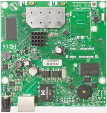 MikroTik RB911G-5HPnD - Материнская плата, 600MHz CPU, 32MB RAM, 1xGigabit Ethernet, onboard 1000mW 5GHz wireless, RouterOS L3