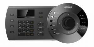 • Клавиатура для управления: - Поворотными камерами DAHUA (все модели) - DAHUA Standalone DVR - Сетевой видеосервер • Соединение: - NKB1000: RS485, RS422, USB, RS232 и по сети • Трехпозиционный контроль функций PTZ джойстиком • Установка пресетов, горизонтального сканирования, наклоненов, туров и паттернов • Дополнительные функции • Экранное меню и помощь в настройке пользователю • Подключение к SmartPSS по USB Характеристики: Модель DH-NKB1000 Общиесведения Панельклавиатуры Электромеханическая Джойстик 3оси,векторныерешения,свращением,головка,возвращающаясявцентр Разъемдляклавиатуры RJ-45,RS232,RS485,RS422,USB Связьклавиатуры Прямойрежим,сетевойрежим Прямойрежим Интерфейс:RS232/RS485 ПротоколDVR:DH2 Протоколкупольнойкамеры:DH-SD/PELCO-D/PELCO-P/PELCO-D1/PELCO-P1