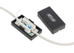 Кабельный соединитель NETLAN IDC-IDC, Кат.5e, KRONE, T568A/B, неэкранированный, черный (EC-UCB-IDC-UD2-BK-001) Проходные кабельные соединители NETLAN с контактами IDC типа KRONE представляют собой менее гибкое решение, но при этом обеспечивают более надежное соединение и оказывают меньшее влияние на линию