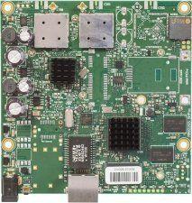 Описание MikroTik RB911G-5HPacD Универсальная высокопроизводительная материнская плата. Предназначена для использования в качестве клиентского устройства